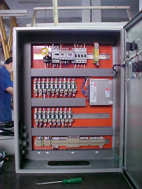2465 - Máquina de Montagem de Luvas